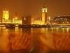 kiss-in-london-water
